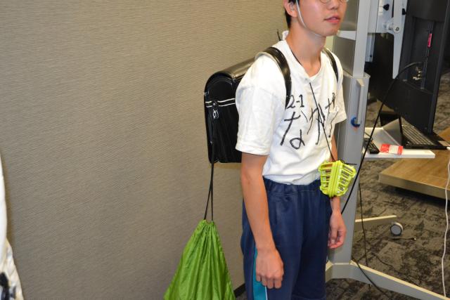 昭和の小学生がコンセプトの仮装をしたインターン生