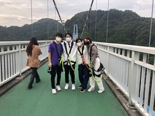 大吊橋で記念撮影